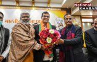 ब्यूरोक्रेसी से राजनीति में आए A K Sharma ने बढ़ाई योगी की मुश्किलें, जानें क्यों चढ़ा है यूपी का सियारी पारा